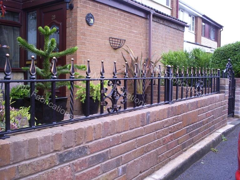 NH Fabrications - Domestic Garden Railings, Manchester ...